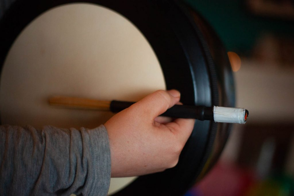 bodhran, modern bodhran, bodhran lessons, how to play the bodhran, bodhran drum lessons, bodhran music, scottish bodhran